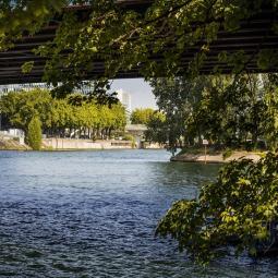 La Seine : Au fil de l'eau et de l'histoire