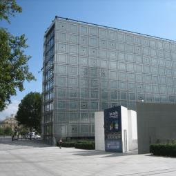 The area around the Institut du Monde Arabe and the Gare d'Austerlitz
