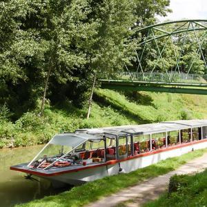 Croisière Embarquez pour une journée hors du temps sur le Canal de l'Ourcq