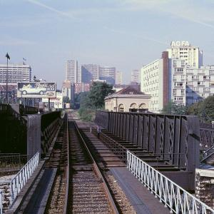 De voies en voies, les voies ferrées dans le paysage parisien