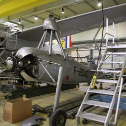 Les ateliers de restauration des avions du Bourget