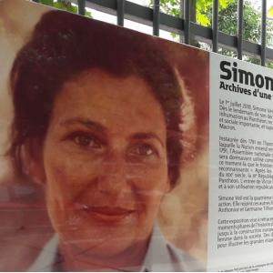 """Simone Veil, archives d'une vie"" aux Archives nationales"