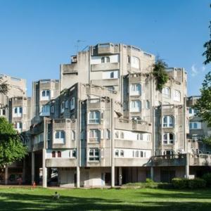 """La Maladrerie à Aubervilliers, une architecture """"organique"""""""