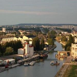 Architecture en reconversion sur le canal de l'Ourcq