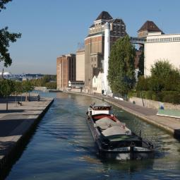 The Ourcq canal : An open window on contemporary parisian architecture