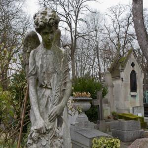 Esotérisme et légendes fantastiques au cimetière du Père-Lachaise