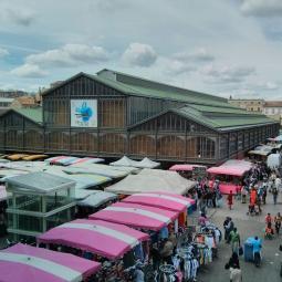 Organisation sociale du marché de Saint-Denis, via la collecte des cartons