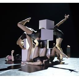 Deux spectacles en un d'Angelin Preljocaj au Centquatre-Paris et visite guidée