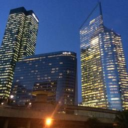 Night time stroll at La Défense