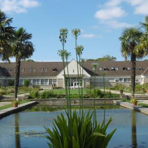 Visite de l'école et l'arboretum de Breuil