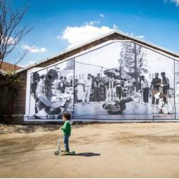 Balade urbaine à Aubervilliers : des identités culturelles au pluriel