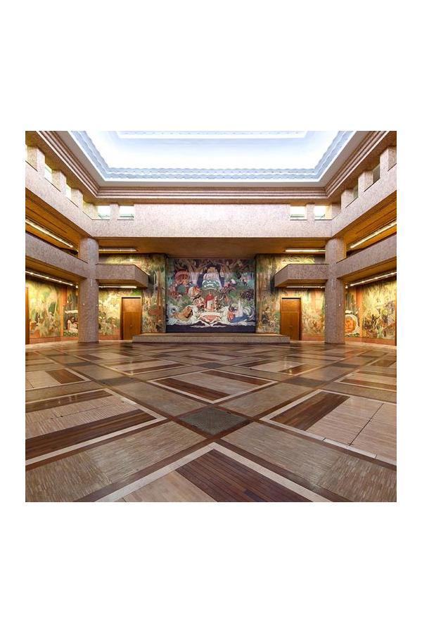 Art Deco extravaganza: Palais de la Porte Dorée