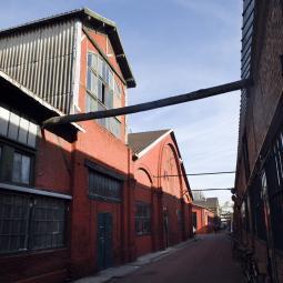 L'Orfèvrerie, ancienne usine Christofle et résidence d'artistes et artisans