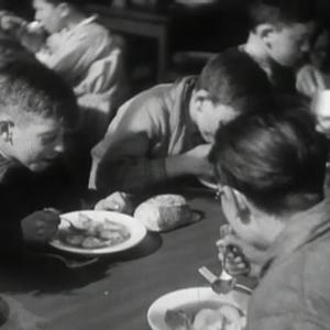 Cantine scolaire à Alfortville au milieu des années 30 ©AD94