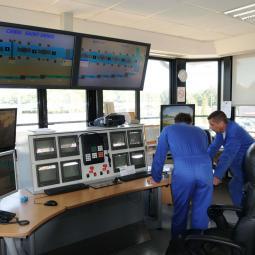 Le service des canaux et l'écluse du pont de Flandre