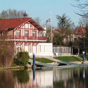 Croisière commentée de Neuilly-sur-Marne à Joinville