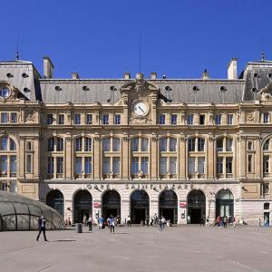 La gare Saint-Lazare et son quartier