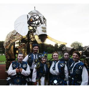 """""""Trois éléphants passent..."""" : spectacle nocturne au parc Georges-Valbon"""
