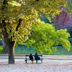 Le Parc des Buttes-Chaumont, un voyage pittoresque