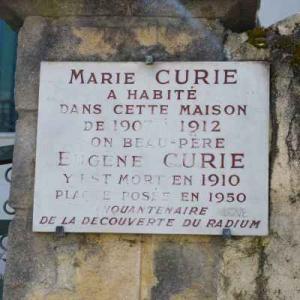 Sur les traces de la famille Curie