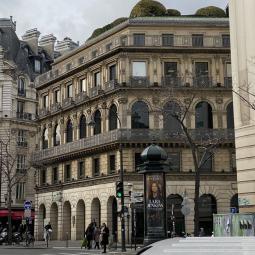 L'Hôtel de vente aux enchères et le quartier Drouot