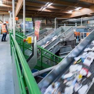 Le centre de tri des déchets de Limeil-Brévannes © Vincent Krieger