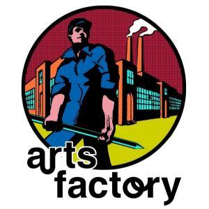 Rencontre avec l'artiste Martes Bathori, de son atelier à la galerie Arts Factory Formula Bula