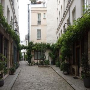Le 11ème arrondissement à Trottinette