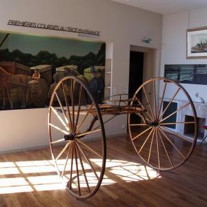 Installations hippiques et histoire des courses attelées à Grosbois