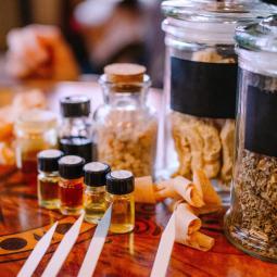 Balade olfactive, le parfum et ses mystères