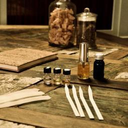 Histoire de la parfumerie 1/2 : transformer les odeurs en industrie - Conférence virtuelle