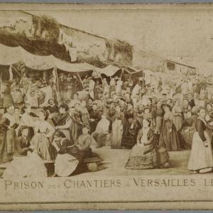 Eugène Appert, Prison des chantiers à Versailles 15.08.1871 MAHPE Sain-Denis, crédits : I. Andréani.