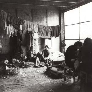 Femmes juives internées, camp de Drancy, France, 12/1942