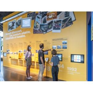 Atelier virtuel pour enfant : de Renault à l'île Créative, les activités ont changé, les architectures aussi.