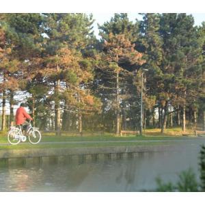 Balade à vélo sur l'Ourcq et visite guidée du parc de la Poudrerie