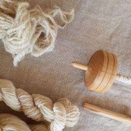 Balade-atelier : traiter et filer le lin à l'archéosite de la Haute-Île