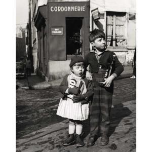 Montmartre Secret Dorothy Bohm 1954