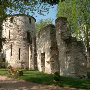 Visite des ruines de l'abbaye de Saint-Maur