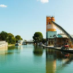 Croisières théâtralisées sur le canal Saint-Denis avec la compagnie Méliadès