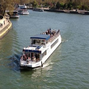 Croisière guidée  de Paris à Rueil-Malmaison