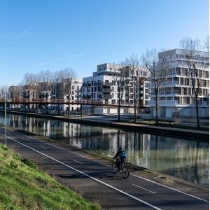 Au bord du canal de l'Ourcq, des Précieux Métallos au nouveau quartier Engelhard à Noisy-le-Sec